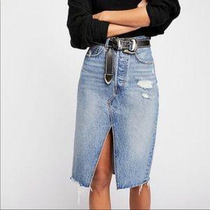 Levi's Deconstructed denim skirt NWT SIZE 28